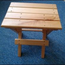 Praktická stolička, produkt z chránenej dielne Impulz