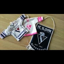 Mini dresy a vlajka HC Slovan Bratislava