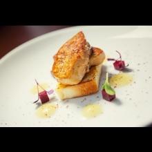 Tasting menu pre 2 osoby v reštaurácii Brasserie Anjou v hoteli Sheraton