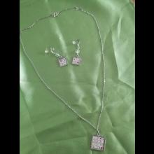 Set náhrdelník s naušničkami