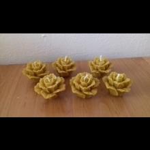 sviečka v tvare ruže zo 100% včelieho vosku