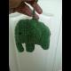 Háčkovaná kľúčenka - sloník zelený
