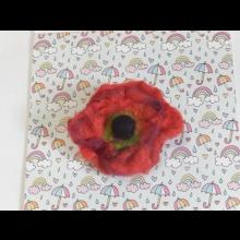 Makový kvet- plstená brošňa