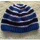 Modro-biela háčkovaná čiapka