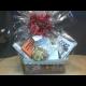 Originálny darček - vianočný kôš s podpísanými knihami finalistov ANASOFT litera a rôznymi dobrotami